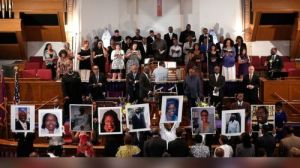 gty_charleston_church_shooting_04_jc_150619_1_v15x14_16x9_992
